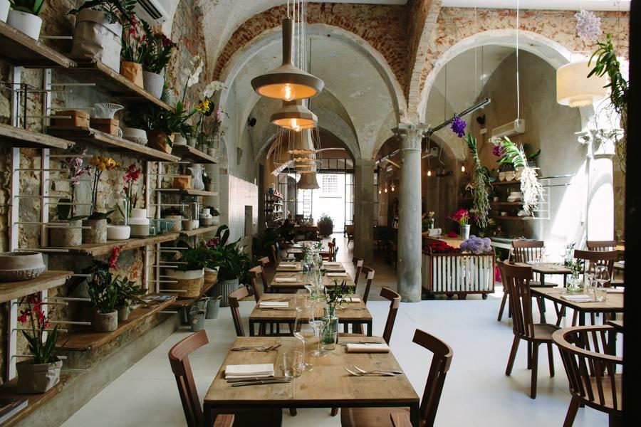 Dharma lampade per concept restaurant