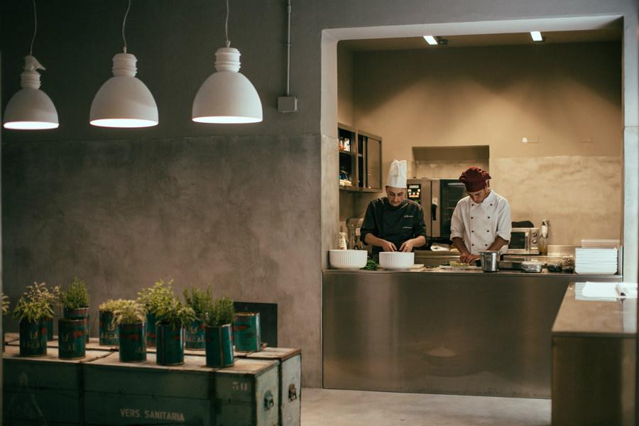 Via Rizzo 7 contract lighting restaurants