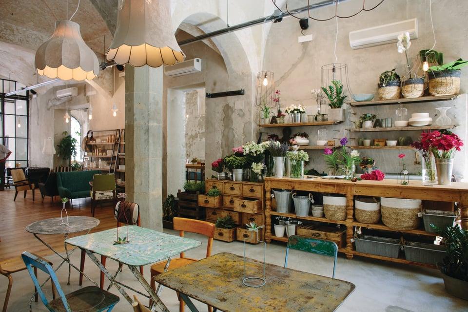 Life e Lucilla lampade per concept restaurant
