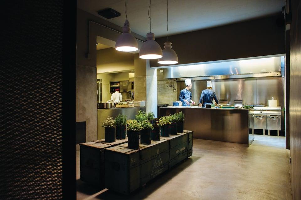 Via Rizzo 7 lampade per concept restaurant
