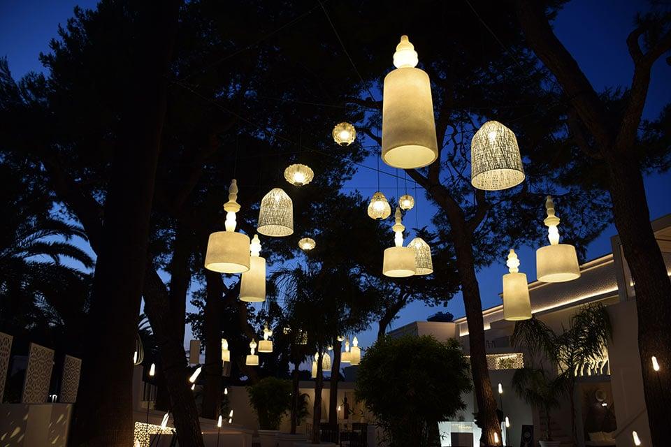 karman-illuminazione-esterna-ristoranti-bar-black-out-ali-baba