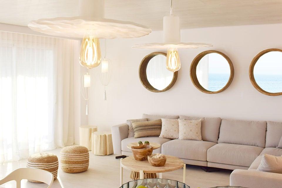 Progetto d'illuminazione per un soggiorno moderno: cosa non può mancare Scrivimi